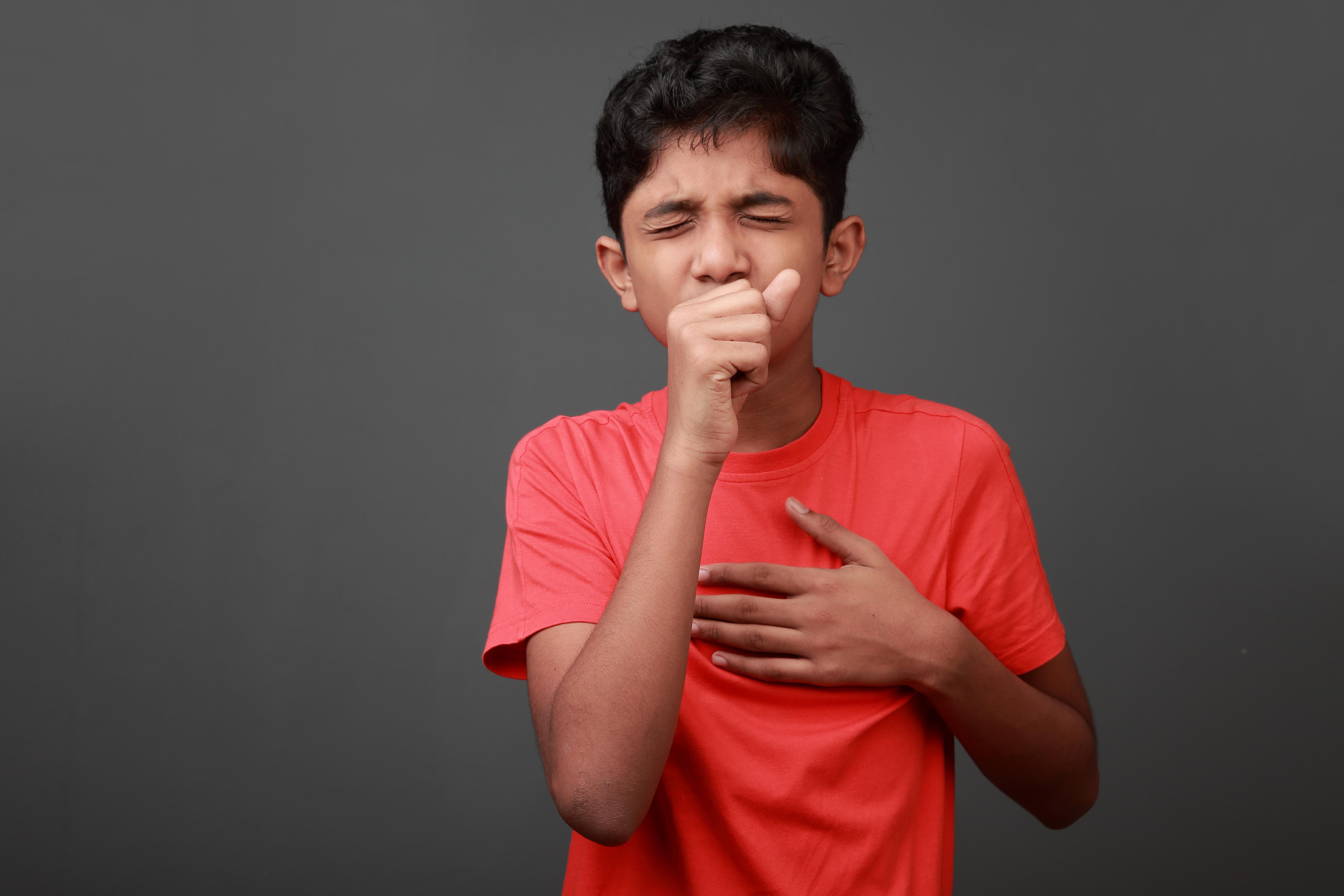 Qué hacer cuando un niño tiene mocos y tos